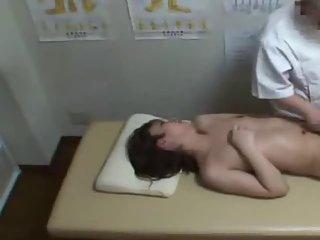 Japanese Tranny wants a full body massage