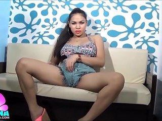 TS Filipina So Hot Shemale In Slutty Short