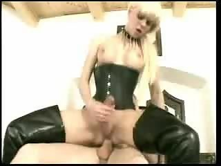 shemale with big dick gets it in the ass