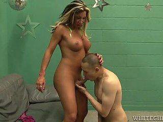 Filthy big tits tranny loves getting sucked and plunging ass