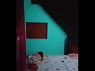 1318 DESI AUNTY IN BEDROOM HIKING SAREE WHILE WATCHING TV HIDDEN